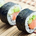 jak prawidłowo jeść sushi